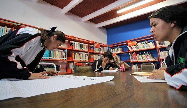 ¡Miles de usuarios en bibliotecas públicas municipales!