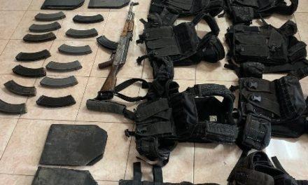 ¡Policía Estatal detuvo en Ojocaliente a 7 personas y aseguró armamento y equipo táctico!