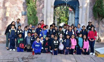 ¡Reanuda Municipio recorridos históricos infantiles en panteones!