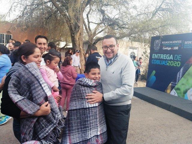 ¡12 mil cobijas entregó Gobierno del Estado en zonas vulnerables!