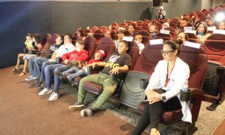 ¡Pacientes oncológicos van al cine para conmemorar el Día Internacional de Lucha Contra el Cáncer Infantil!