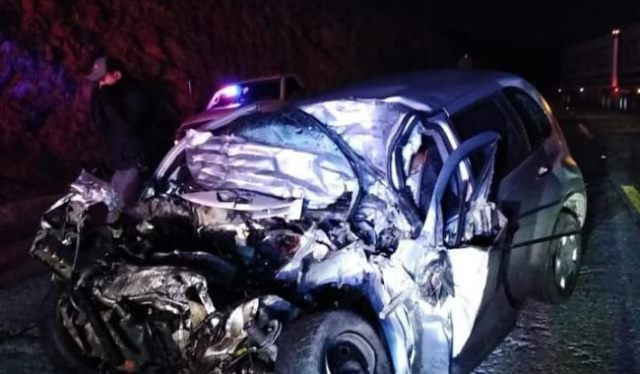 ¡Automovilista murió tras chocar contra un tractocamión en Guadalupe!