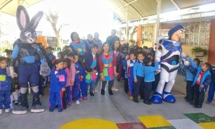 ¡Muestra la Policía de Jesús María a niños de preescolar técnicas de autoprotección y cuidado!