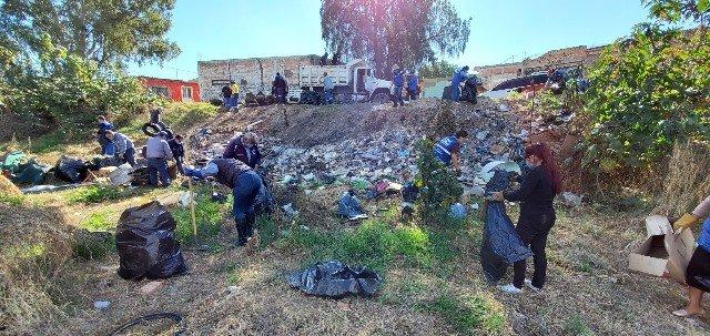 ¡Municipio llevó brigada de limpieza al arroyo San Pascual!