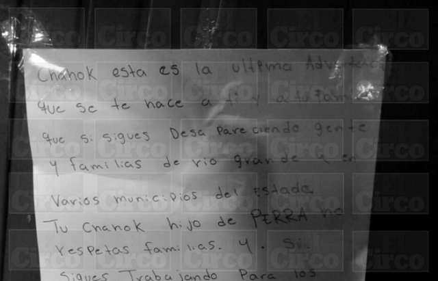 ¡Comando armado sembró el terror en una casa en Fresnillo y dejó un narco-mensaje!