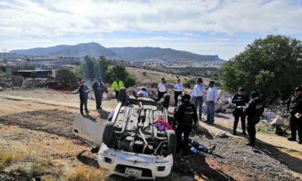 ¡Volcadura de auto de Obras Públicas del Municipio de Zacatecas dejó 5 lesionados!