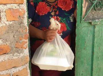 """¡Se entregan los primeros apoyos del programa """"Adopta una Familia"""" en Jesús María!"""