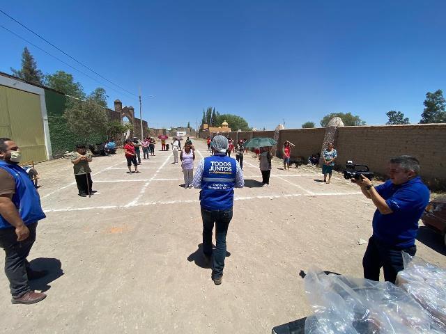 ¡Administración de Tere Jiménez lleva alimento a familias que trabajan en ladrilleras!