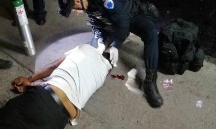 ¡Hombre intentó matarse afuera de un local comercial en Aguascalientes!