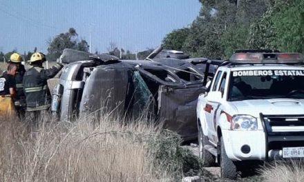 ¡Hombre murió tras la volcadura de una camioneta en Aguascalientes!