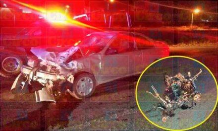 ¡2 adolescentes motociclistas murieron arrollados por un ebrio automovilista en Lagos de Moreno!