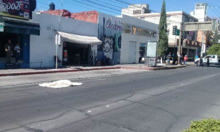 ¡Mujer murió atropellada por un motociclista en el Centro de Aguascalientes!