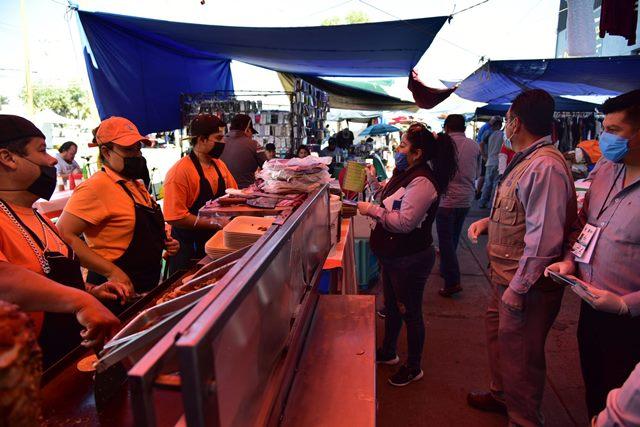 ¡Refuerza Municipio medidas de higiene en tianguis por emergencia sanitaria!
