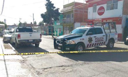 ¡Hombre murió atropellado por un auto en una cochera en Guadalupe!