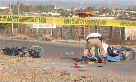 ¡Choque de motocicletas dejó 1 muerto y 1 lesionado en Lagos de Moreno!
