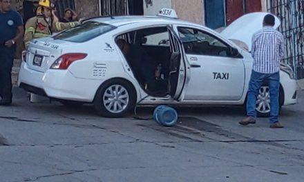 ¡Flamazo en un taxi dejó dos lesionados con quemaduras en Aguascalientes!