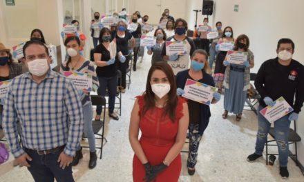 ¡Artesanos y productores locales reciben apoyo económico de Tere Jiménez!