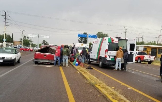 ¡Choque entre 2 camionetas dejó 8 lesionados en Aguascalientes!