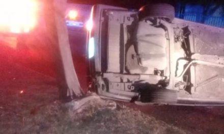 ¡Grave joven tras espectacular accidente en Aguascalientes!