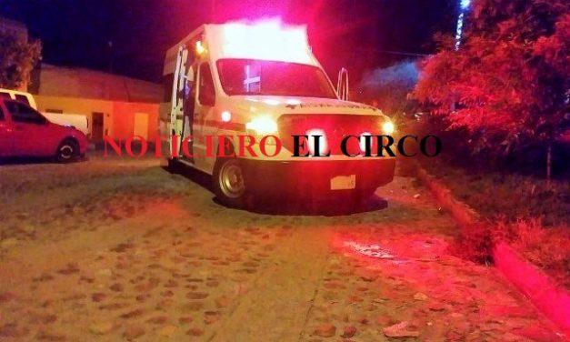 ¡Graves una mujer policía y un joven tras accidentarse en Lagos de Moreno!