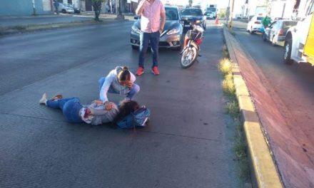 ¡Grave joven atropellada por un automovilista en Aguascalientes!