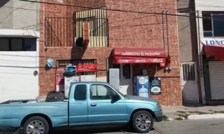 ¡Dos delincuentes asaltaron una tienda en Aguascalientes e hirieron a puñaladas al dueño!
