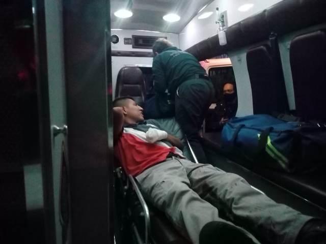 ¡Joven fue herido de un balazo en una mano por unos sujetos en Aguascalientes!