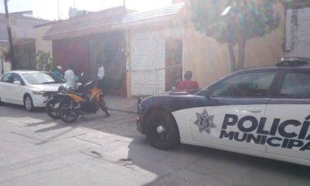 ¡Joven se colgó del tubo de un cortinero en su casa en Aguascalientes!