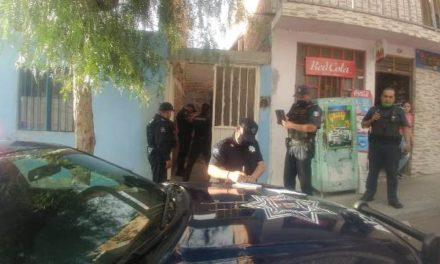 ¡Hombre se colgó de una vigueta en el Pintores Mexicanos en Aguascalientes!