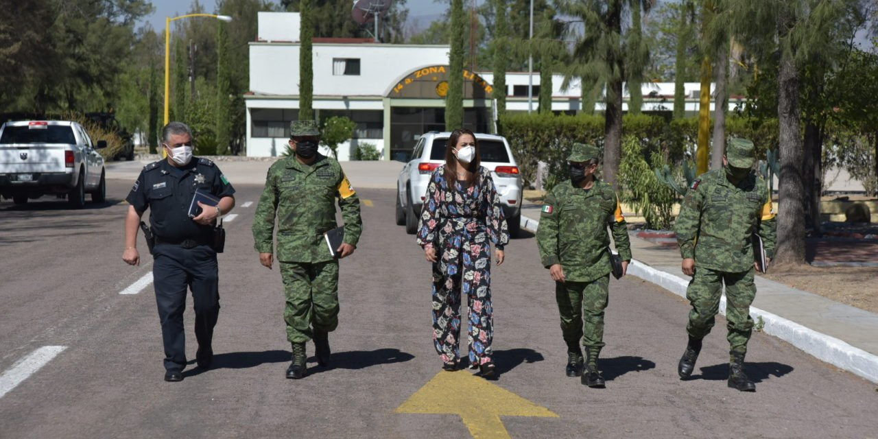 ¡Se reunió Tere Jiménez con nuevo comandante de la XIV Zona Militar!