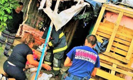 ¡Grave pareja de pepenadores que sufrió quemaduras tras un flamazo en Aguascalientes!