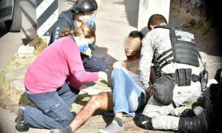 ¡Adicto hirió con un cuchillo a empleado de un anexo y al huir fue atropellado por un auto en Aguascalientes!