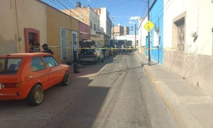 ¡A balazos intentaron ejecutar a un individuo en el Barrio El Encino en Aguascalientes!