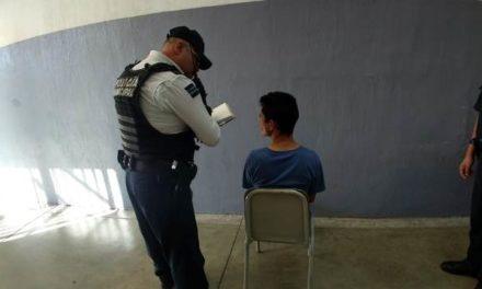 ¡Hombre se colgó y tras ser rescatado por su mamá y su hermana las agredió con un bat metálico en Aguascalientes!