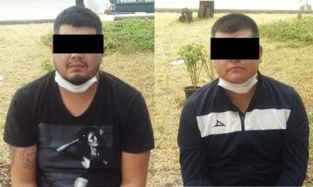 """¡Detuvieron a 2 sonorenses con 1.5 kilos de """"crystal"""", $85 mil y un arma de fuego en Aguascalientes!"""