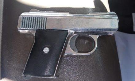 ¡PEP detuvo a dos hombres con un arma de fuego que pretendían ingresar al CERERESO de Cieneguillas en Zacatecas!