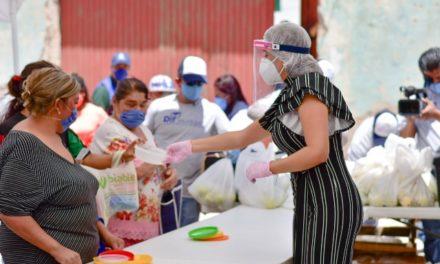 ¡Supervisa Tere Jiménez entrega de alimento caliente a familias del oriente!