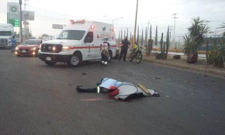 ¡Motociclista murió tras estrellarse contra un tráiler en Aguascalientes!