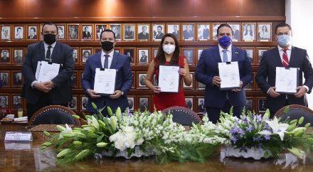 ¡Tere Jiménez firma convenio con NAFIN para capacitar a MIPyMES!