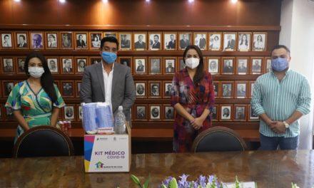 ¡Recibe Municipio donación de kits médicos para familias del oriente de la ciudad!