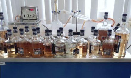 ¡Regulación Sanitaria llama a consumir sólo bebidas destiladas etiquetadas!