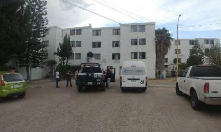 ¡Joven mujer se ahorcó con una mascada en un departamento en Aguascalientes!