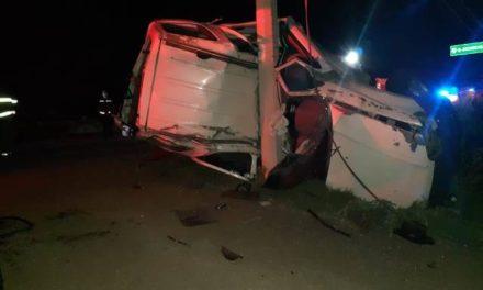 ¡Choque-volcadura en Aguascalientes dejó 1 joven muerta y 2 lesionadas!