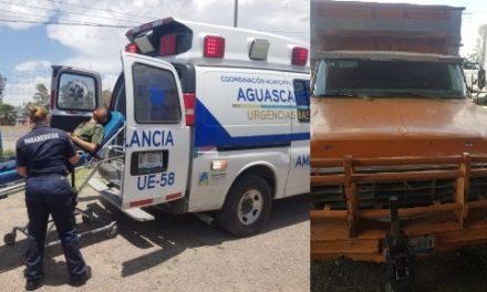 ¡Grave adolescente aplastado por una camioneta que reparaba junto con su papá en Aguascalientes!