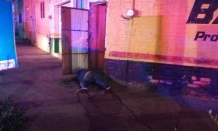 ¡Hallaron muerta a una mujer en la vía pública en Aguascalientes!