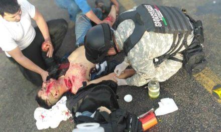 ¡Grave motociclista impactado por una camioneta en Aguascalientes!