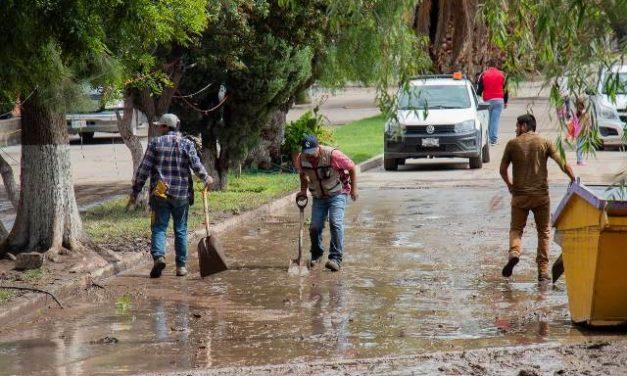 ¡12 personas rescatadas durante inundación en Las Ánimas, Pabellón de Arteaga!