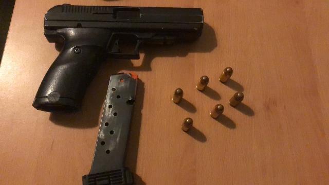 ¡Policía Preventiva y PEP detuvieron a cuatro personas por la posesión de un arma de fuego en Zacatecas!