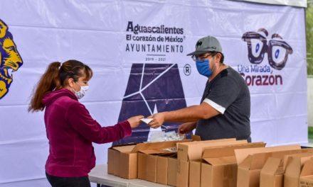¡Suman más de 600 lentes entregados a la ciudadanía por Municipio y Club de Leones Internacional!