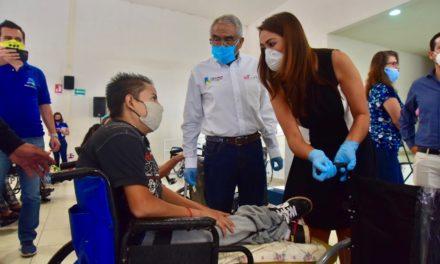 ¡Tere Jiménez inició la entrega de 250 de sillas de ruedas a personas con discapacidad!